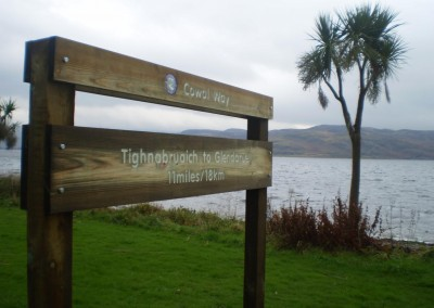 Waymarker in Tighnabruaich